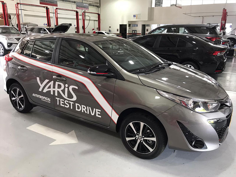 Toyota Yaris Lateral